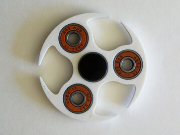 4 bearing circled spinner