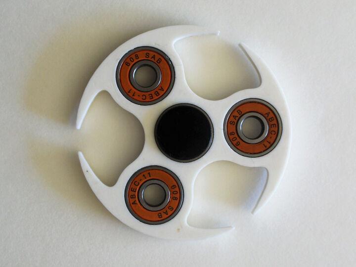 4 bearing circled spinner