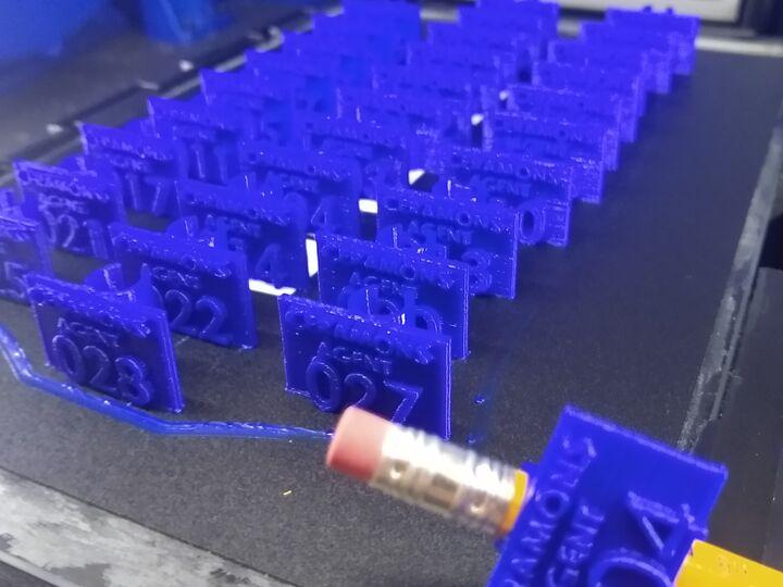 Student Anti Covid Pencil Rings / Bagues à crayon anti covid pour étudiants