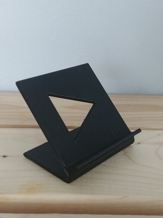 Simple smartphone stand