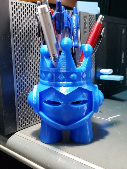 King Marvin Pen Holder