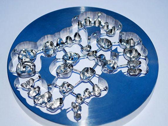 Cobalt-chrome (CoCr)