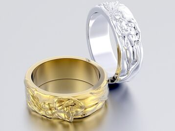 Ring couple hugging 0220